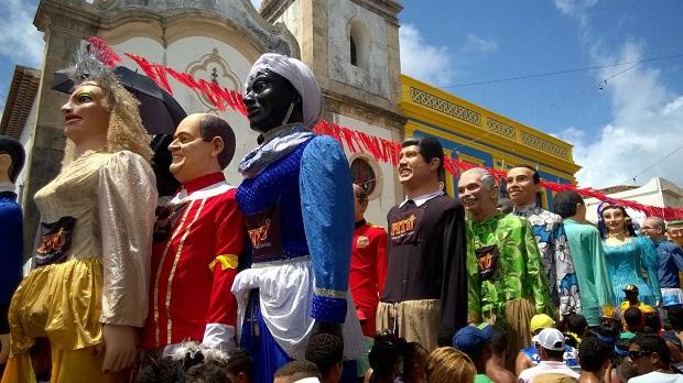 carnaval-olinda-bonecos